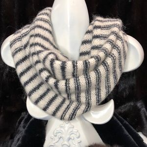 1937 MOHAIR AND WOOL INFINITY SCARF